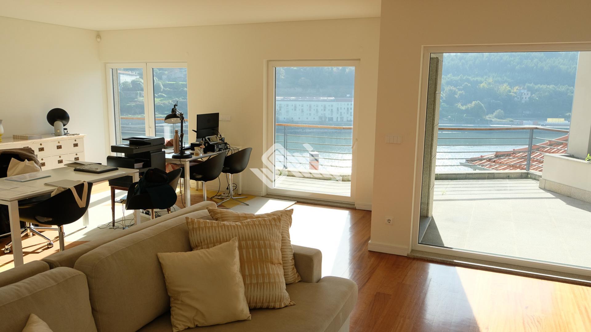 Apartamento T4 em Porto  - Porto, UDF De Lordelo Do Ouro E Massarelos