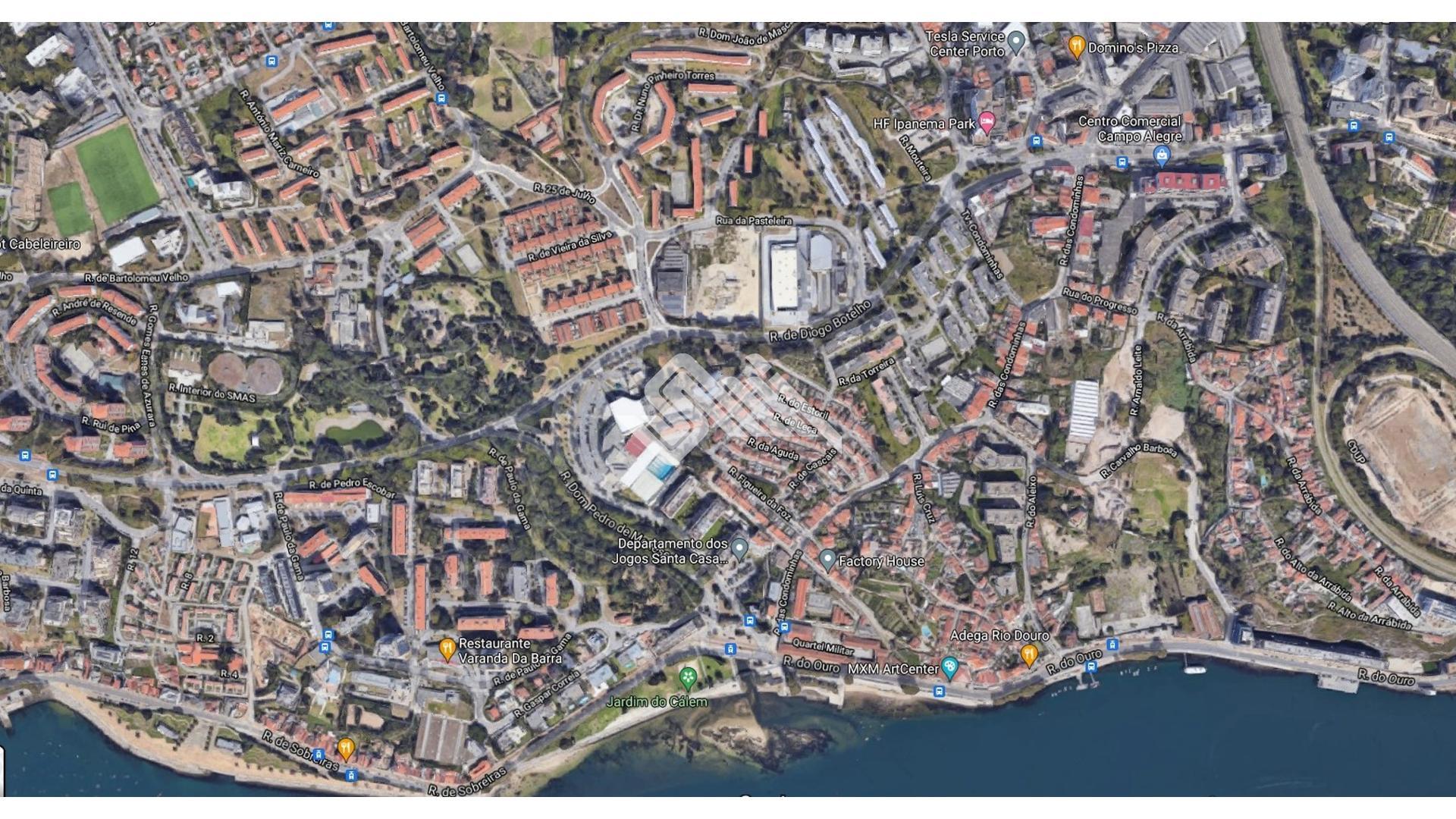 Moradia p/ Restaurar Fluvial  - Porto, UDF De Lordelo Do Ouro E Massarelos